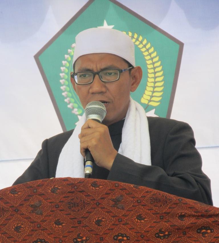 KH. Ahmad Care, Lc. M.Pd