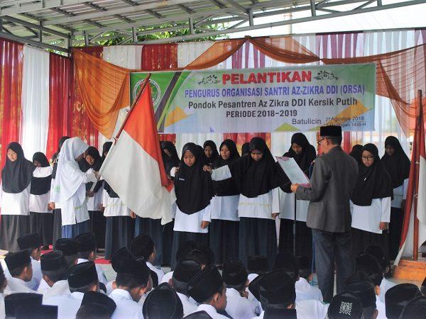 Pimpinan Pondok Pesantren Azzikra DDI Lantik Pengurus ORSA