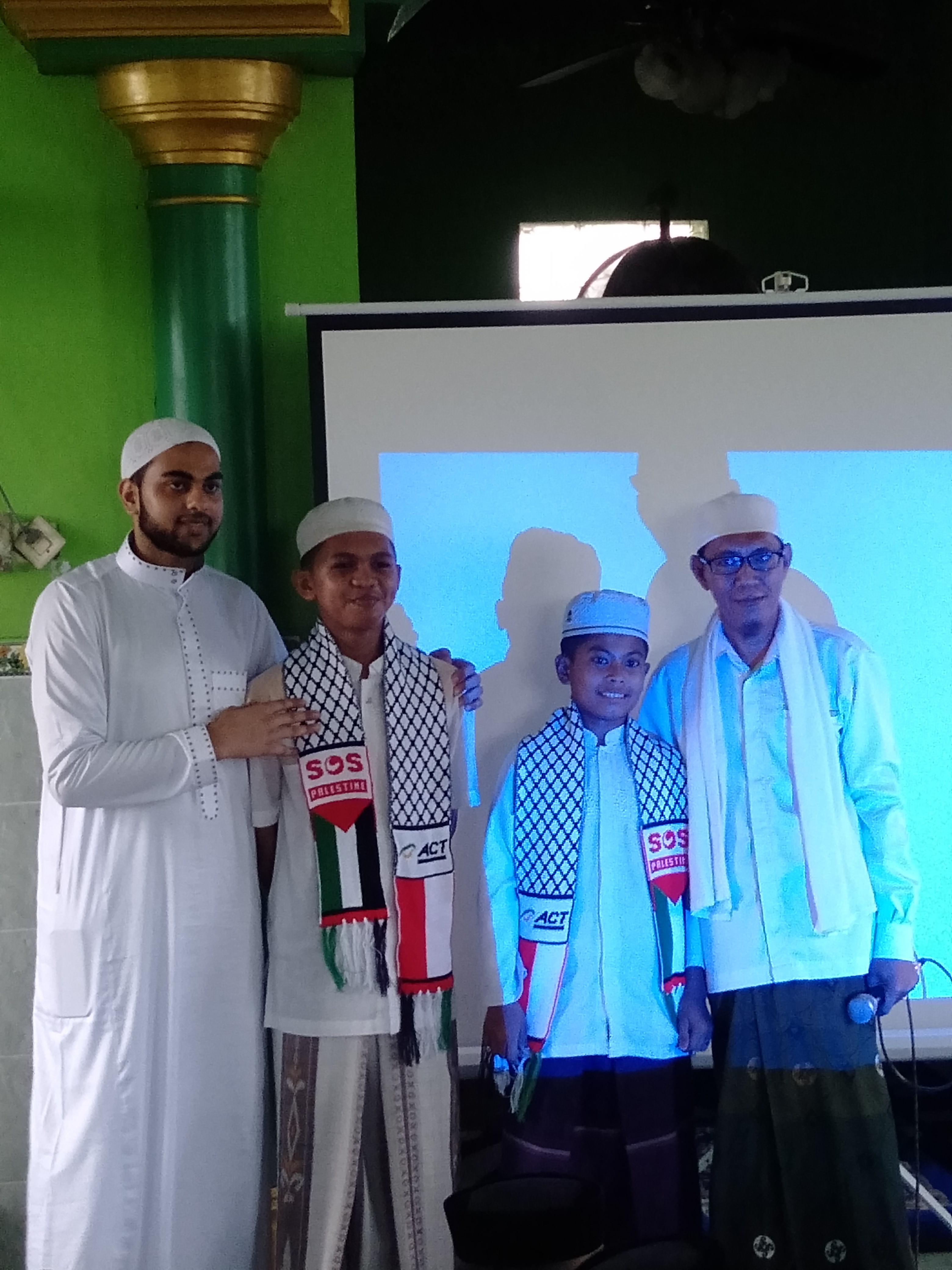 Syeh Samir N.R Alnaffar dari Palestina bersama ACT Adakan Safari Dakwah ke Pondok Pesantren Az Zikra DDI