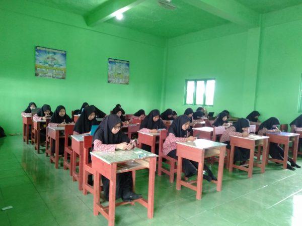 Ujian Semester Berbasis Android, Pertama Di Madrasah Aliyah Az Zikra Batulicin